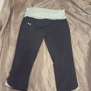 Under armor 3/4 length athletic pants
